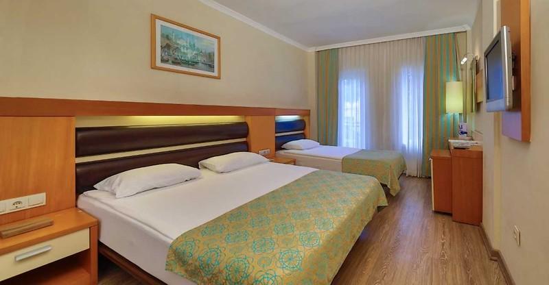 Crystal Flora Beach Resort Oda Resimleri