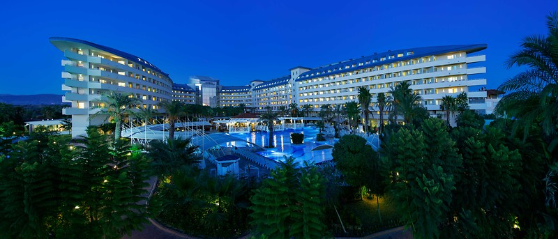 Crystal Admiral Resort Suıtes  & Spa